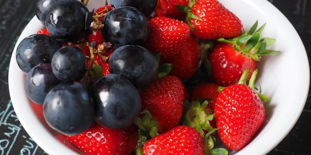fruit-plate-1271943_1280.jpg